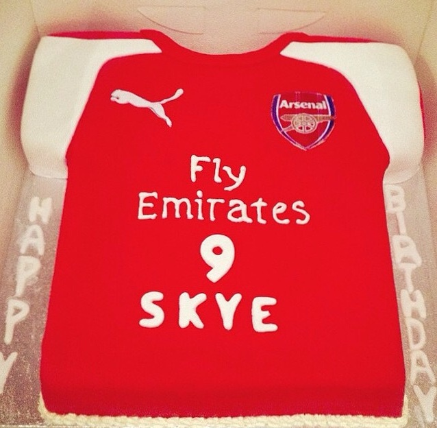 3dae943a3 Our Cakes. You are here  Boys Cake  Arsenal Football Shirt